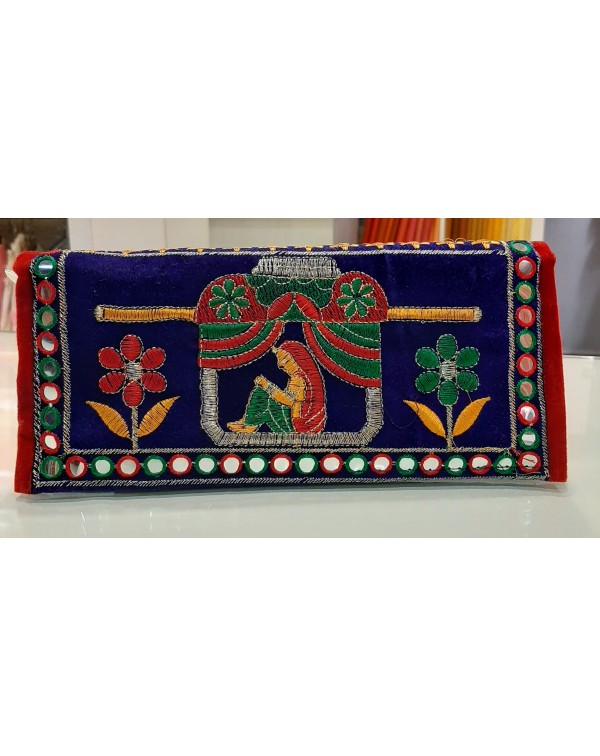 Embroidery hand purse